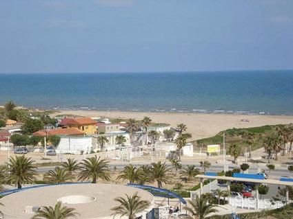 La spiaggia della patacona a valencia for Spiaggia malvarrosa valencia